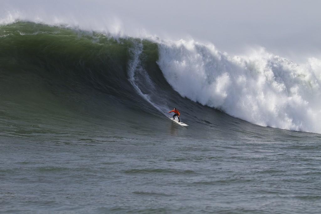 CB-2010 Mavericks-Big-Wave